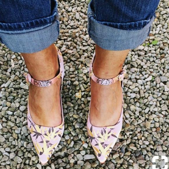 1b8331c57b8 Zara Embroidered Kitten Pink Floral Heels. M 5a4c0ebc61ca10513a0a1a1b